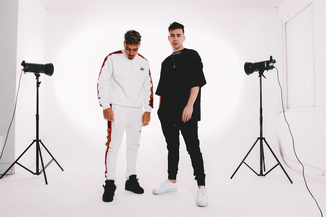 Premiere: LIKE TYE Launches Their Sultry Debut Be That Man